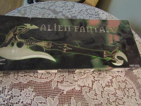 Fantasy Master Alien Fantasy Swayer in Box