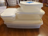 Lot of 4 Rubbermaid Rectangular Bowls with Lids