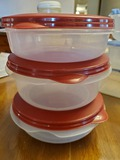 Set of 3 Rubbermaid Bowls with Lids