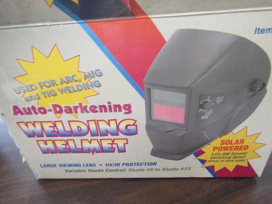 Auto Darkening Welding Helmet, New in Box