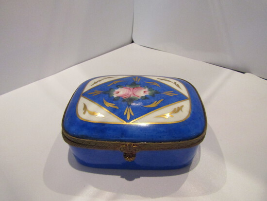 Victorian Porcelian Trinket Box, France