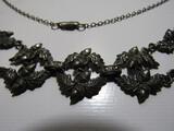 Older Motif Acorn Necklace, Silver Color