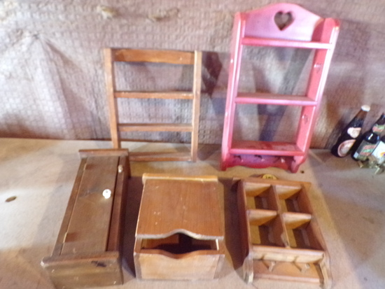 Lot of 5 Wooden shelves