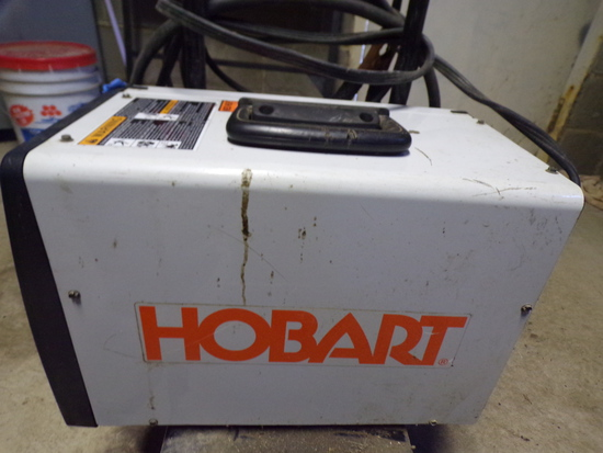 HOBART Welder Gasless 115 Volts