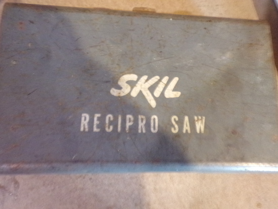 SKILL RECIPRO Saw with case