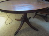 Vintage 4 Footed Oval End/Coffee Table, #2149 Grand Rapids