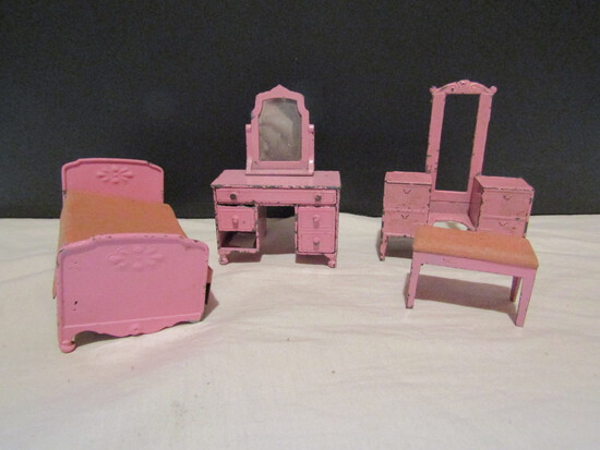Lot of Metal Tootsie Dollhouse Furniture, Damage/Missing Parts