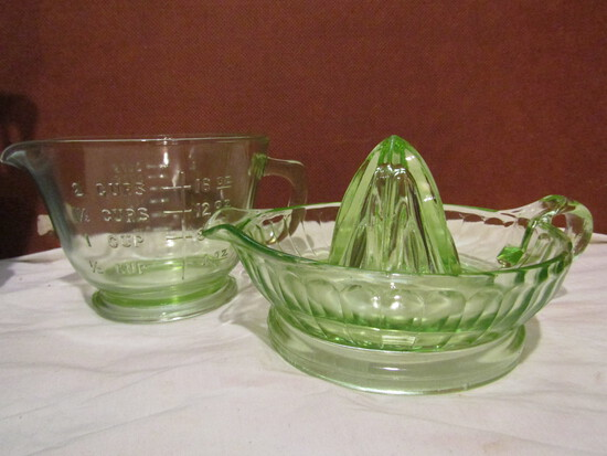 1930s Large Green Uranium/Vaseline Juicer and 2 Cup Measuring Cup