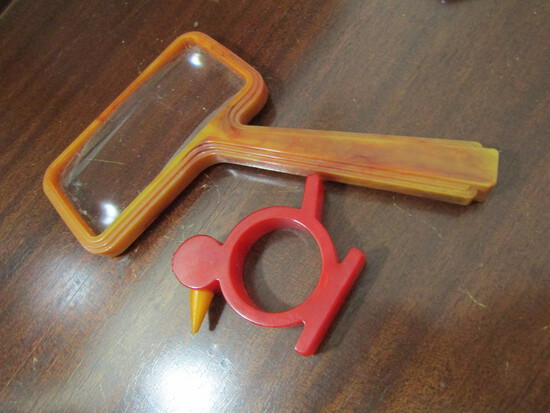 1930s Vintage Baush & Lomb Opt Orange Brown Magnifying Glass and Red Bird Napkin Holder, Bakelite