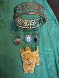 Czech Bracelet, 4 Rings and Moveable Head Lucit Scottie