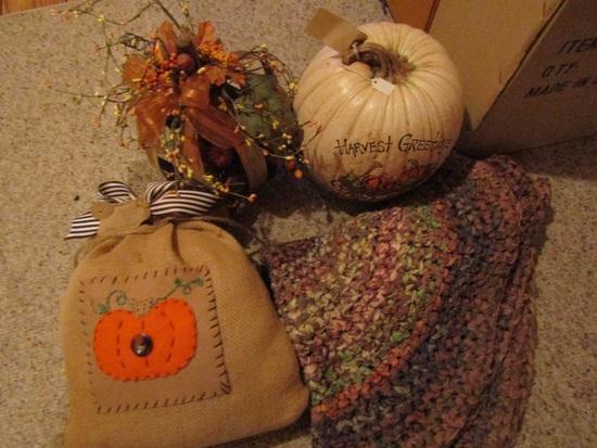 Vintage Fall/Halloween Décor, Pumpkins, Rug