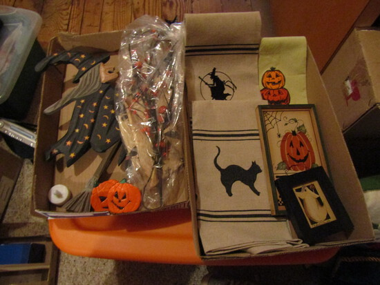 Halloween Décor with Witches, Pumpkins
