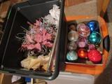 Vintage Christmas Center Piece and Bulbs with Tub