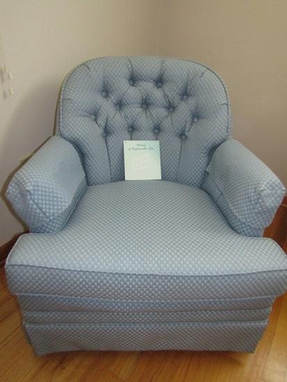 Watsons of Taylorsville Swivel-Rocker Chair, Like New