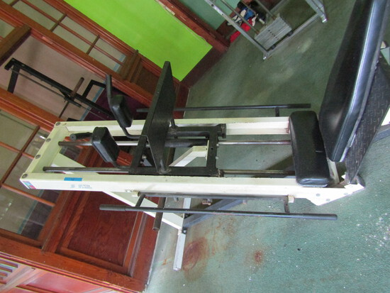 Seated Plate Loaded Leg Press Exercise Machine