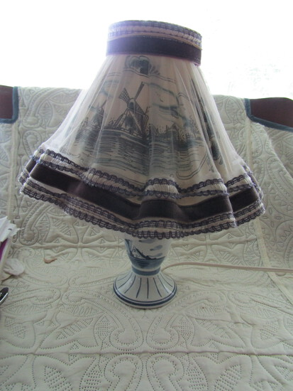 """Vintage 16"""" Delfts Holland Handpainted Lamp with Shade"""