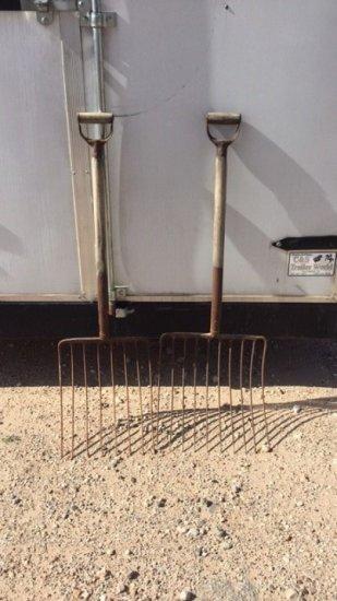 2- Hay Forks
