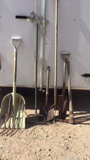 lot long handle garden tools