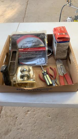 Lot of small tools/1 7/8 hitchball/saw blade/air