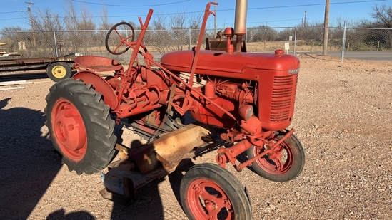 Farmall A tractor with Mower deck, Moeboard, cultr