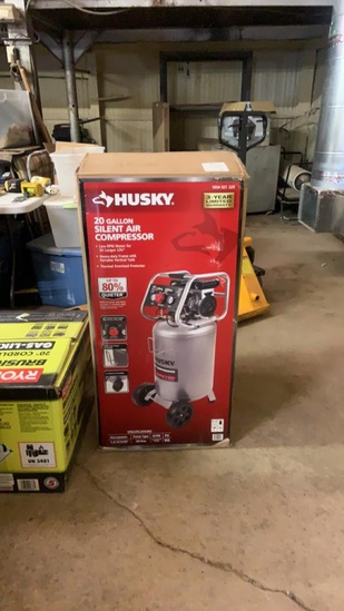 New Husky 20 Gal Silent air compressor
