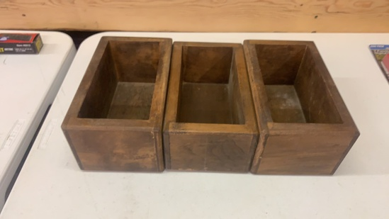 Lot of 3 wooden boxes