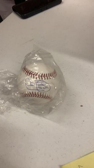 Cecil Fielder autograph baseball
