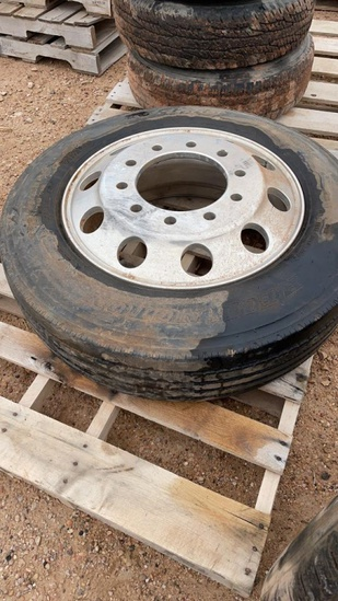 225/70R22.5 Truck tire and rim