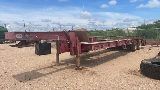 Dove tail equipment trailer
