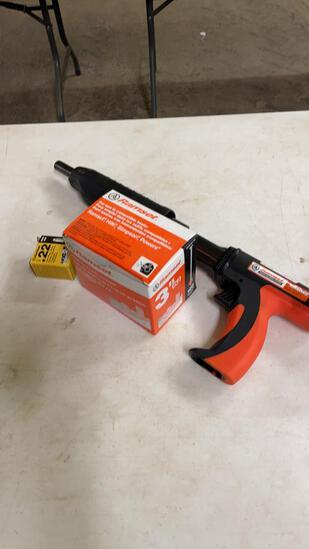 Ramset gun w/loads & pins