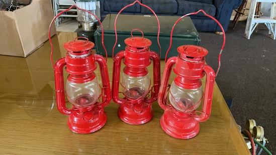 Lot of 3 red lanterns