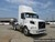 2013 VOLVO VNM64200 T/A DAYCAB Image 2