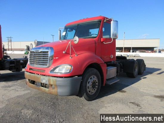 2013 FREIGHTLINER COLUMBIA T/A DAYCA
