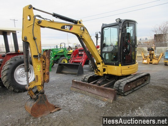 2013 CAT 304E CR MINI EXCAVATOR