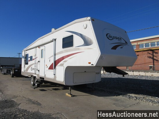 2005 CROSSROADS CF29RE 5TH WHEEL CAMPER