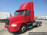 2014 VOLVO VNM64T200 T/A DAYCAB