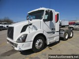 2007 VOLVO VNL64T300 T/A DAYCAB
