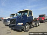 2005 VOLVO VNM64T200 T/A DAYCAB