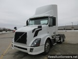 2014 VOLVO VNL64T300 T/A DAYCAB