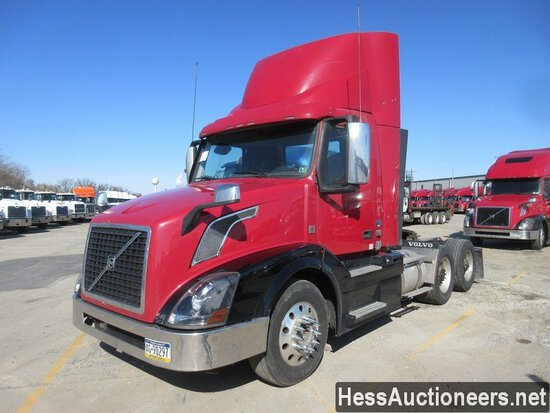 2015 VOLVO VNL62T300 T/A DAYCAB, 6X2 CONFIGURATION, HESS REPORT ATTACHED, 5
