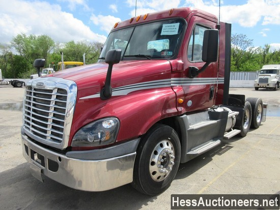 2014 FREIGHTLINER CASCADIA T/A DAYCAB, 528319 MILES ON ODO, ECM 528506, 520