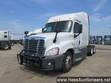 2014 FREIGHTLINER CASCADIA T/A SLEEPER, HESS REPORT ATTACHED, 772331 MILES
