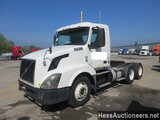 2012 VOLVO VNL64T300 T/A DAYCAB, HESS REPORT ATTACHED, 423546 MILES ON ODO,