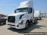 2015 VOLVO T/A DAYCAB,