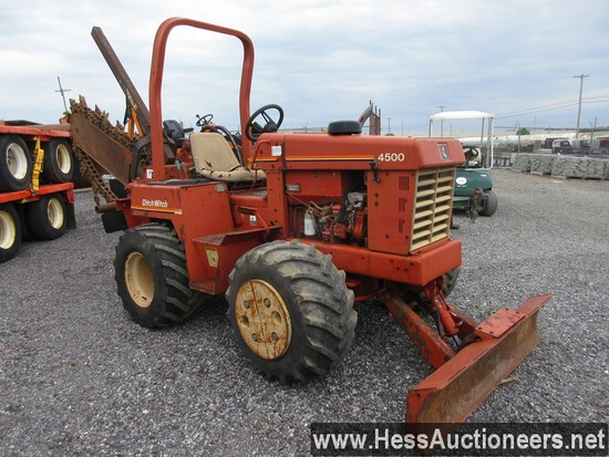 DITCH WITCH 4500 TRENCHER, 4 CYL, 56.3 HP, 1 DIESEL TANK, 16 GAL, 31 X 15.5