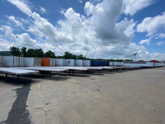 Truck Trailer Equip auction - June 11, 2021 Ring 3