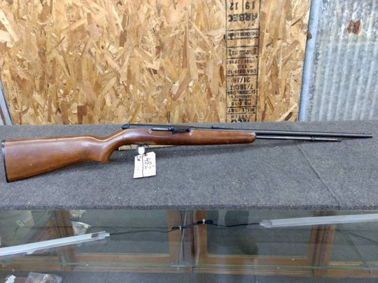 Remington model 550-1 .22 Semi auto with grooved receiver has original deflector