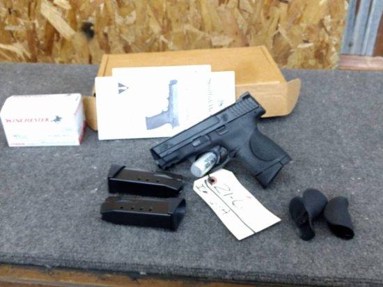 Smith & Wesson M&P 40C .40cal Semi Auto Pistol Like New