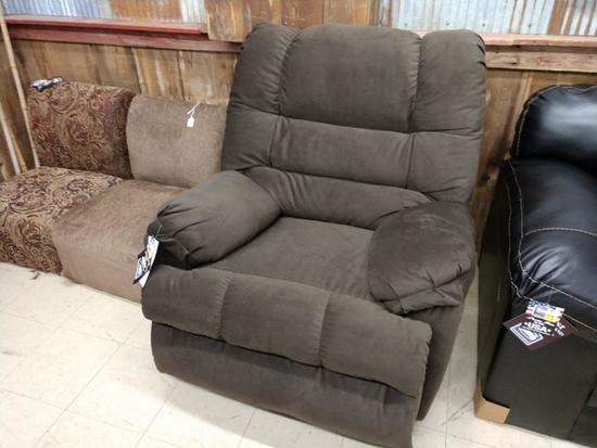 Brand New Simmons Rocker Recliner All Furniture Is Local Pick up Only