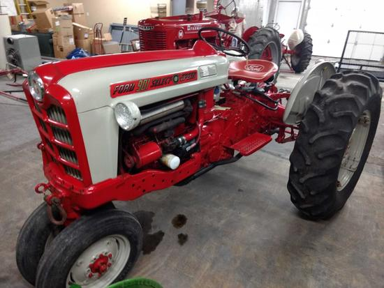 Ford 901 Select-O-Speed Tractor